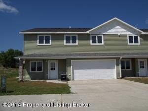 519 Jackson Way, Killdeer, ND 58640