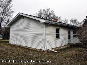 400 Park Ave West, Watford City, ND 58854