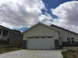 1605 W Pheasant Ridge Street, Watford City, ND 58854