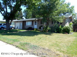 1142 Sims St, Dickinson, ND 58601