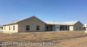 2933 3rd Ave W, Dickinson, ND 58601