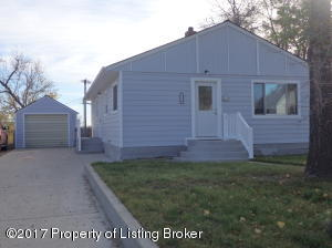 116 2nd St SW, Watford City, ND 58854