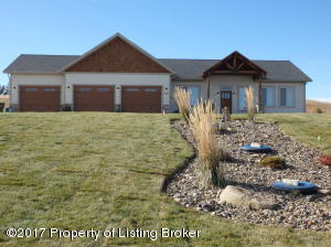 509 Long Dr, Watford City, ND 58854