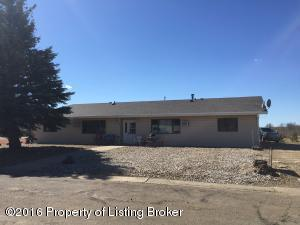 401 6th St NW, South Heart, ND 58655