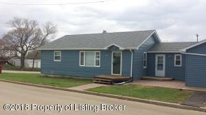 406 5th Ave NE, Belfield, ND 58622