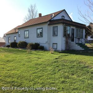 279 1st Ave NW, Beach, ND 58621