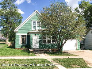 330 1st Ave W, Dickinson, ND 58601