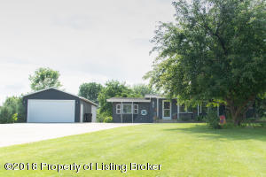 871 11th Ave W, Dickinson, ND 58601