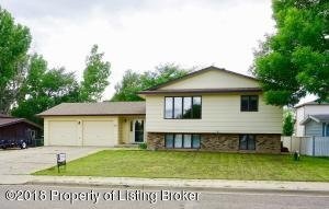 1483 2nd Ave E, Dickinson, ND 58601