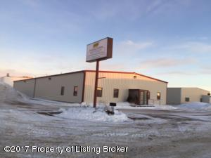 175 48th Ave SW, Dickinson, ND 58601