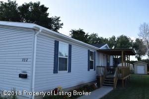 322 1st St Sw, Dickinson, ND 58601