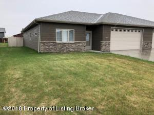 1661 Lincoln St, Dickinson, ND 58601