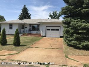 24 College Ave S, Dickinson, ND 58601