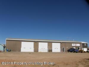 301 Gumbo Loop, Killdeer, ND 58640