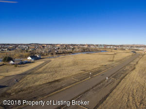 River Dr, Dickinson, ND 58601