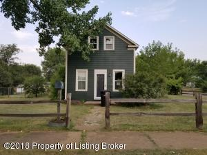 445 5th Ave. W, Dickinson, ND 58601