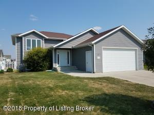 796 16th Ave E, Dickinson, ND 58601