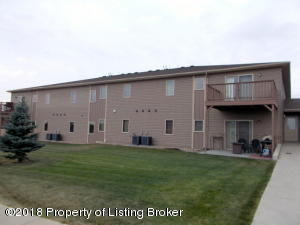 2155 10th Ave #6 W, Dickinson, ND 58601