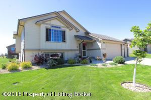 1865 2nd Ave E, Dickinson, ND 58601