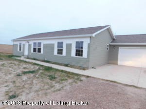 12202 McKenzie View Dr, Watford City, ND 58854