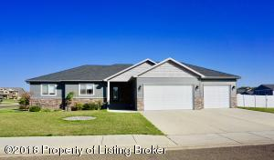 776 Mustang Ave, Dickinson, ND 58601
