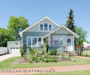 1026 1st Ave W, New England, ND 58647
