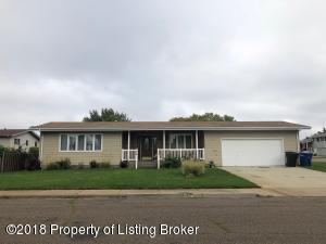 1010 Green St, Dickinson, ND 58601