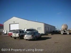 1712 11th Ave SE, Watford City, ND 58854