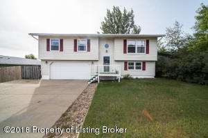 731 22nd Street W, Dickinson, ND 58601