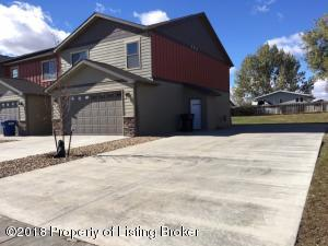 1057 Elm Avenue E, Dickinson, ND 58601