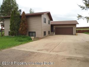 3160 Lakeview Drive, Dickinson, ND 58601