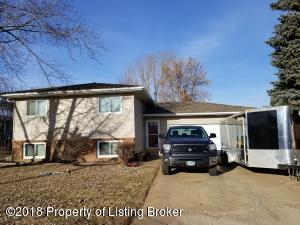 728 24th Street W, Dickinson, ND 58601