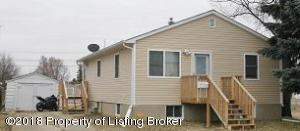 335 1st Street SW, Dickinson, ND 58601