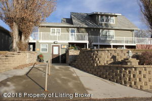 141 3rd Street SW, Watford City, ND 58854