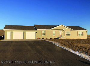 2618 Terrace View Drive, Watford City, ND 58854