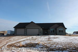 12467 Rolling Cove, Watford City, ND 58854