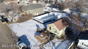 316 3rd Street NW, Watford City, ND 58854