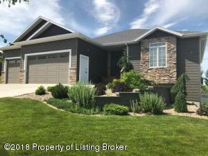 2188 6th Street West, Dickinson, ND 58601