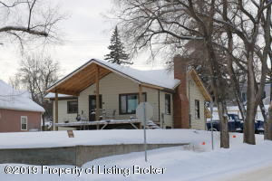 101 3rd St SW, Watford City, ND 58854