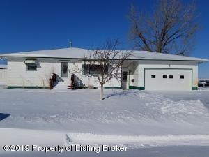 56 12th Street, New England, ND 58647