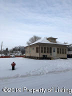 605 1st Avenue E, Dickinson, ND 58601