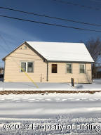 229 3rd Avenue SW, Dickinson, ND 58601