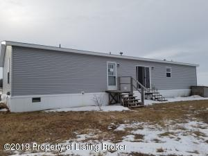 7130 2nd St NW, Golden Valley, ND 58541