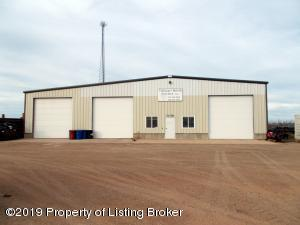 10279 3W Street SW, Killdeer, ND 58640