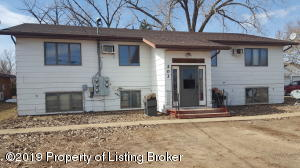 203 Bank Drive, Belfield, ND 58622