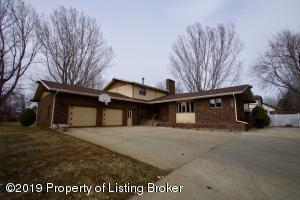 1583 Sleepy Hollow Drive, Dickinson, ND 58601