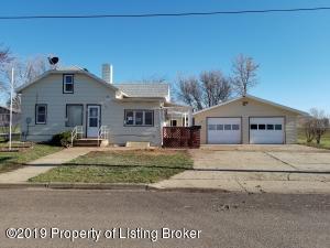 701 2nd Avenue NE, Belfield, ND 58622