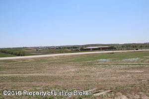 L2B2 Commons Pkwy, Watford City, ND 58854