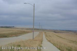L1B5 Commons Parkway, Watford City, ND 58854
