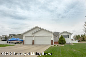 1150 12th Street E, Dickinson, ND 58601